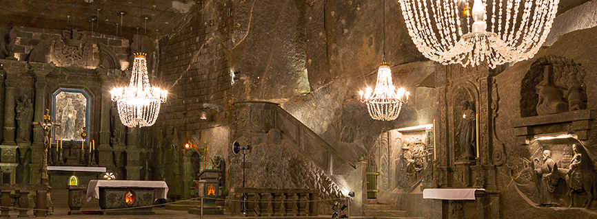 Krakow Salt Mine tours - underground chamber with salty chandeliers.