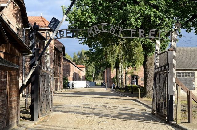 "Auschwitz Gate 'work sets you free"" in Museum"