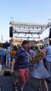 Shalom on Szeroka - dancing