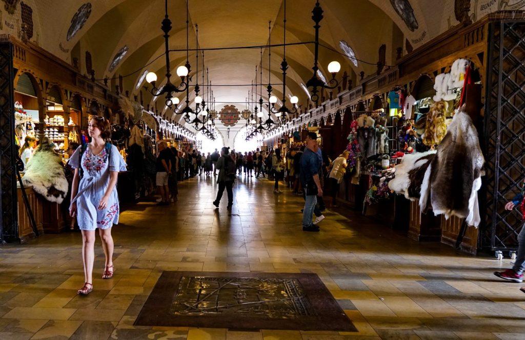 Krakow sightseeing - cloth halls