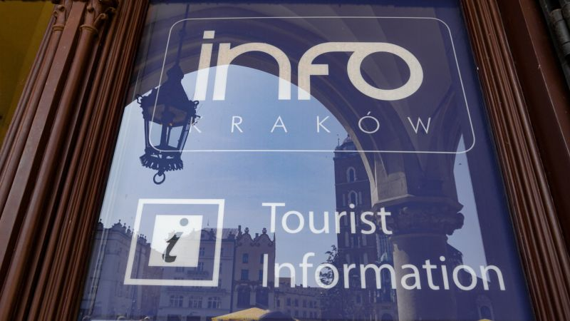 Krakow tourist information - cloth hall