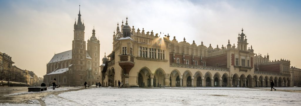 Visit Krakow winter Main square!