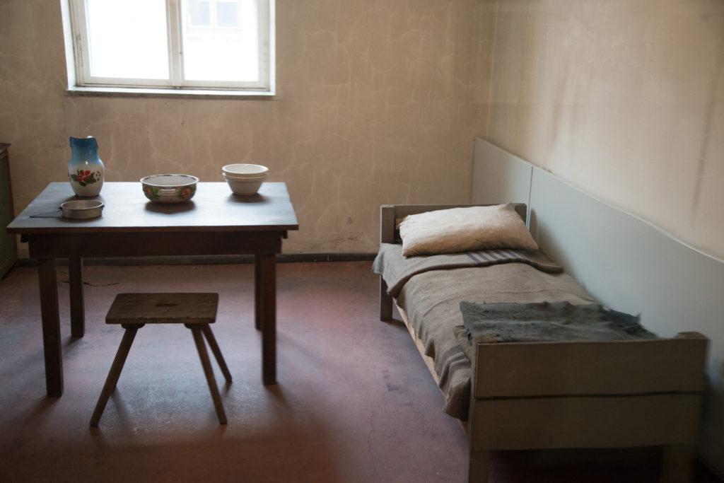Auschwitz photos - prisoners' barravk